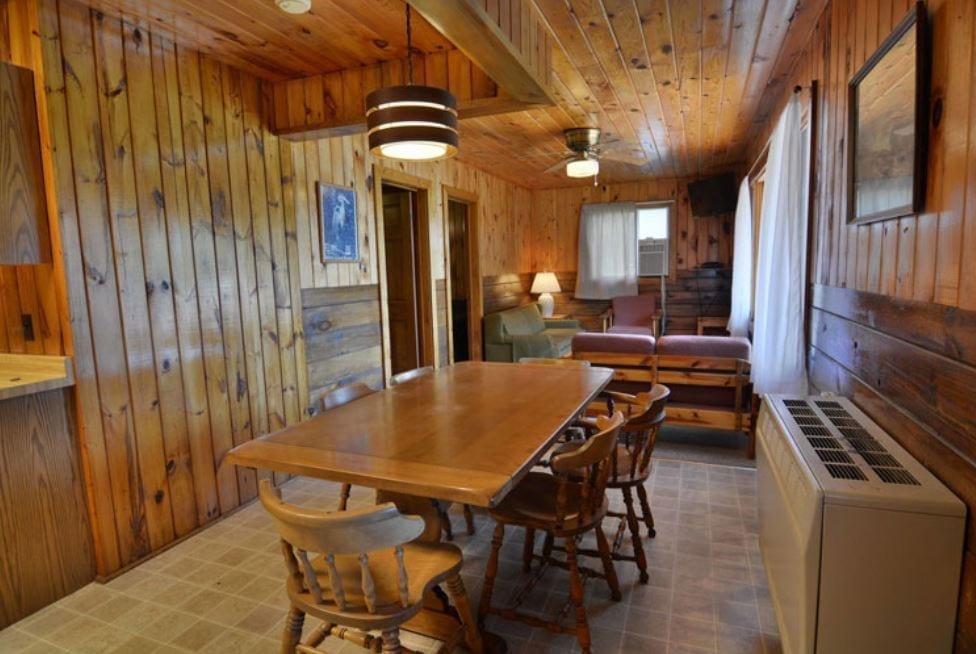 West Lodge - Hayward, WI